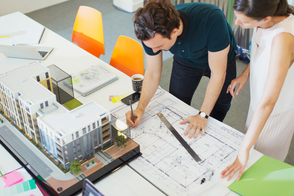 Как выбрать архитектора коттеджа в Крыму? 10 признаков хорошего архитектора